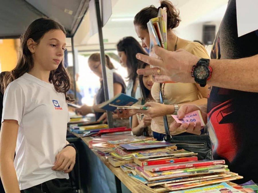 Projeto Owl Market envolve comunidade escolar e desenvolve valores importantes