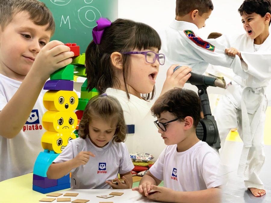 Atividades extracurriculares  desenvolvem a aprendizagem, promovem socialização e estimulam habilidades pessoais